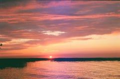 在湖的早日出 免版税库存图片
