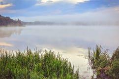 在湖的早晨风景 库存图片