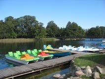 在湖的星期天 库存图片