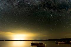 在湖的星 库存照片