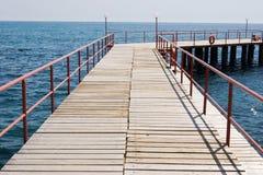 在湖的木码头 免版税库存照片