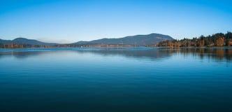 在湖的梦想时间 免版税库存图片