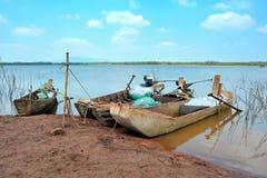在湖的渔船 免版税库存照片