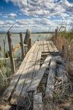 在湖的老跳船 库存照片