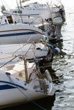 在湖的被停泊的游艇 免版税图库摄影