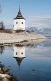 在湖的镜象反射 免版税图库摄影
