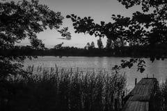 在湖的黎明 库存照片