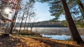 在湖的10月上旬早晨在乔克里弗 库存图片