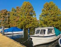 在湖苏黎世的小船 库存图片