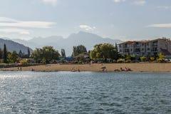 在湖,哈里逊温泉城,不列颠哥伦比亚省,加拿大的美丽的景色 库存图片