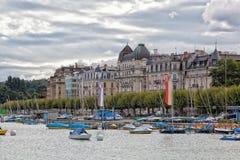 在湖,日内瓦,瑞士的游艇 库存照片