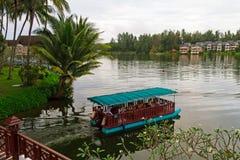 在湖2的小船 库存照片