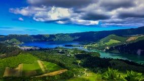 在湖Azul的Sete Cidades海岛圣地的米格尔亚速尔群岛 免版税库存图片