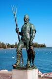 在湖Balaton的渔夫的雕塑 免版税库存图片