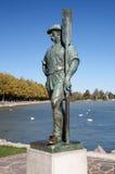 在湖Balaton,匈牙利的船员雕塑 免版税库存图片
