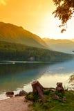 在湖Bohinj的日落 免版税图库摄影