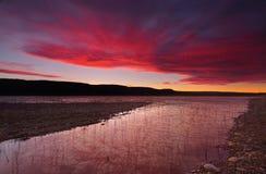 在湖Burralow的日落 库存图片