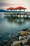 在湖Dardanelle的渔码头 库存图片