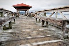 在湖Dardanelle的渔码头 免版税图库摄影