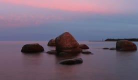 在湖Ladoga,俄国的夜间 免版税库存照片