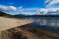 在湖Loch Lomond视图间 库存图片