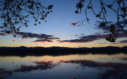 在湖Loveland的日落 免版税库存照片