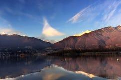 在湖Maggiore,瑞士的反射 库存照片