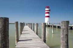 在湖Neusiedl的灯塔 库存图片