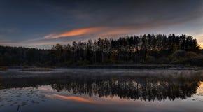 在湖Nr2的美好的日出 免版税图库摄影