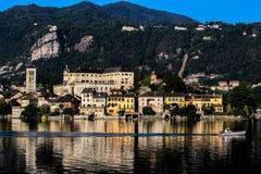 在湖Orta,山麓,意大利的清早 免版税库存照片