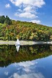 在湖Rursee,德国的风船 库存照片