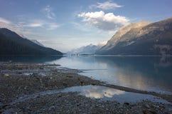 在湖Silvaplana瑞士的镇静早晨 免版税库存照片