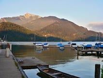 在湖Wolfgangsee的早晨 免版税图库摄影