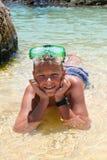 在潜水屏蔽h的孩子 图库摄影