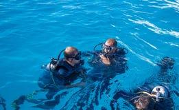 在潜水的指示 红海,埃及 免版税库存图片