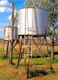 在澳大利亚农场的柴油储存箱 免版税库存图片
