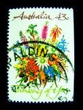在澳大利亚打印的邮票显示认为您的美好的花花束`的图象`在价值的邮票系列在43分 免版税库存图片