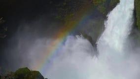 在瀑布的彩虹 股票视频