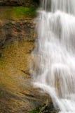 在瀑布的花岗岩 图库摄影