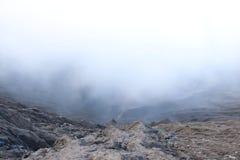 在火山口的烟雾 图库摄影