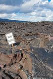 在火山口链子封锁的路  库存图片