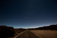 在火山泰德峰的夜空风景在特内里费岛 库存照片