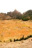 在火山火山口的耕种 免版税库存照片