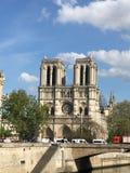 在火灾事故以后的巴黎圣母院 免版税库存照片