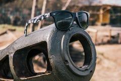 在火炮枪的太阳镜 免版税库存照片