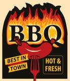 在火焰和香肠的词BBQ在叉子 向量例证
