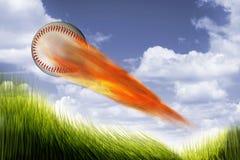 在火的棒球 免版税库存照片