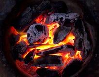 在火的煤炭 图库摄影