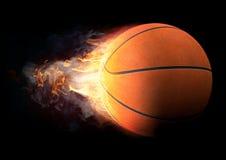 在火的篮球 免版税库存照片