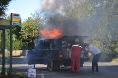 在火的4x4 图库摄影